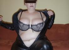 Énorme seins - Femme grosse