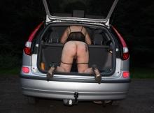 String baissé coffre de la voiture - Candauliste Nord