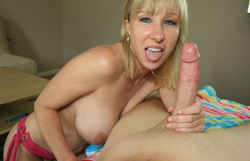 Mom Sucks Son Dick Porn Pics