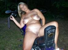 Toute nue en Harley Davidson - Rencontre motard