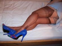 Jupe courte et porte-jarretelle - Cougar Marseille