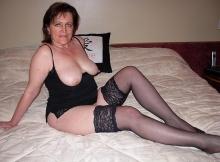 Seins nus en nuisette sexy - Rencontre sérieuse