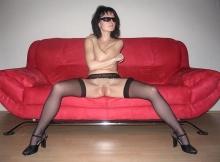 Jambes écartées - Femme infidèle