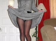 Robe longue, culotte sous une paire de collants - Tenue sexy