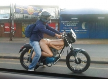 Moto en forme de femme - Humour sexy
