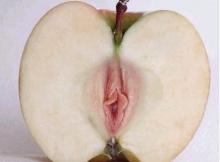 Pomme en forme de chatte - Humour sexy