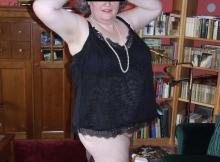 Culotte baissée - Vieille femme