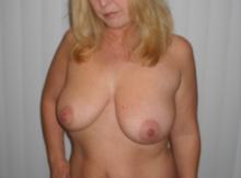 Gros seins naturels - Blonde à Paris