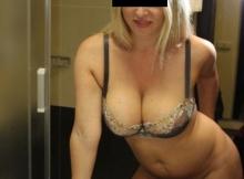 Selfie Blonde gros seins