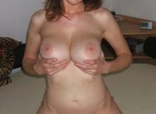 Deux beaux seins - Femme chaude