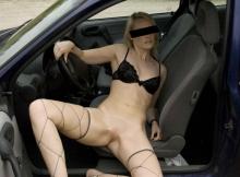 Exhib voiture - Femme offerte