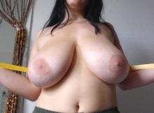 Gros seins naturel 105 G - Vraie baise