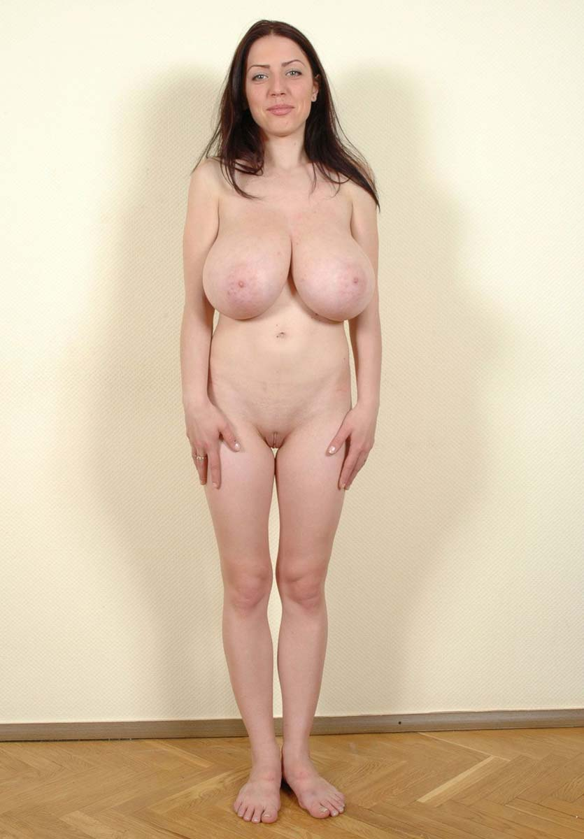 femme nue ligotée tres gros sein