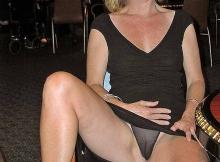 Femme mûre Toulouse : montre sa culotte