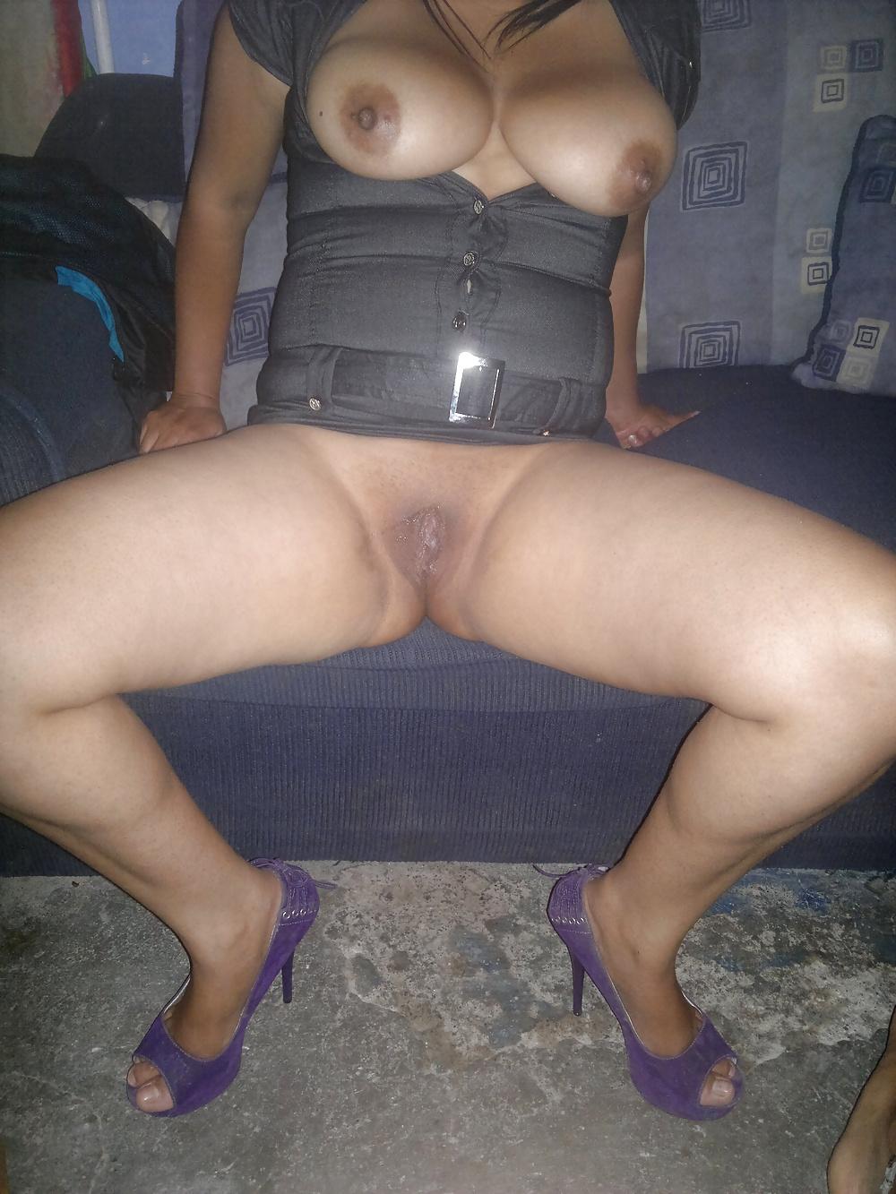 Latina milf pussy pics