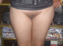 Gros seins et chatte rasée - Femme chaude
