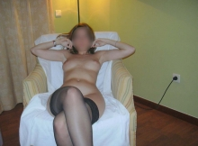 Assise en bas sexy - Femme blonde