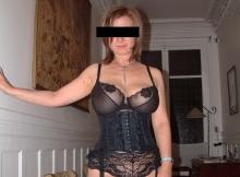Busiter grosse poitrine - Femme cougar