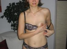 Aline exhibe un nibard