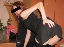 Étudiante sexy en jupe