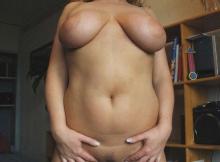 Gros seins naturels - Femme mariée