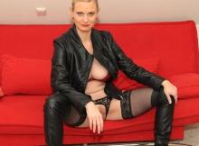 Bas nylon et bottes - Cougar lingerie