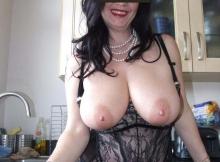 Très gros seins - Femme mature