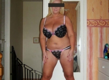 Gros seins en lingerie - Blonde sexy
