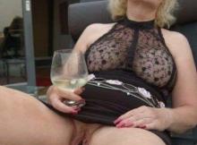 Chatte éclatée d'une femme mature - Sexe hard
