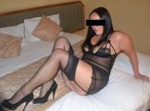 Femme mature en bas nylon et talon