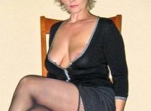 Belles jambes - Femme cougar