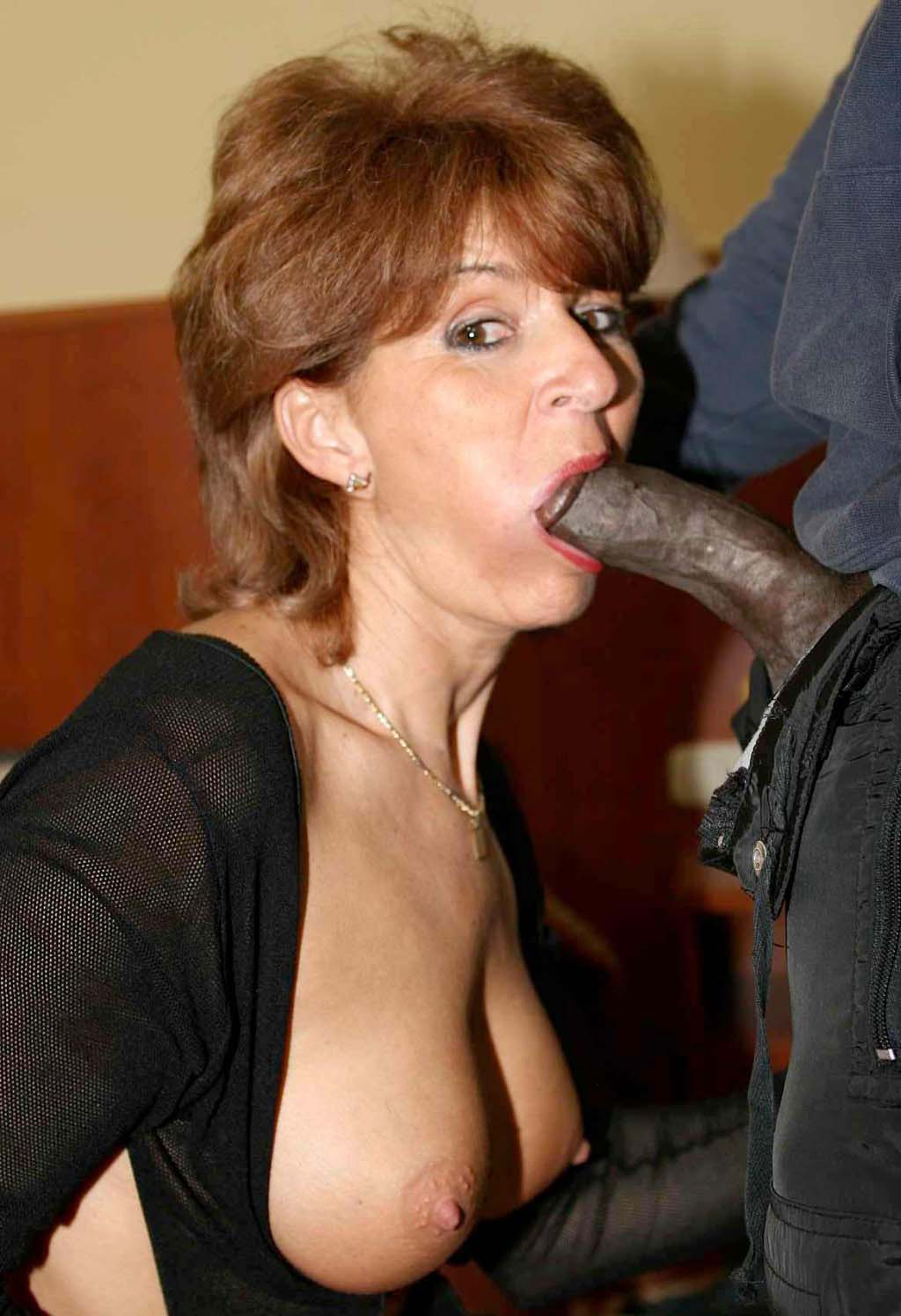 Amateur milf black stockings