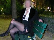 Exhibition sexe Paris sur un banc public