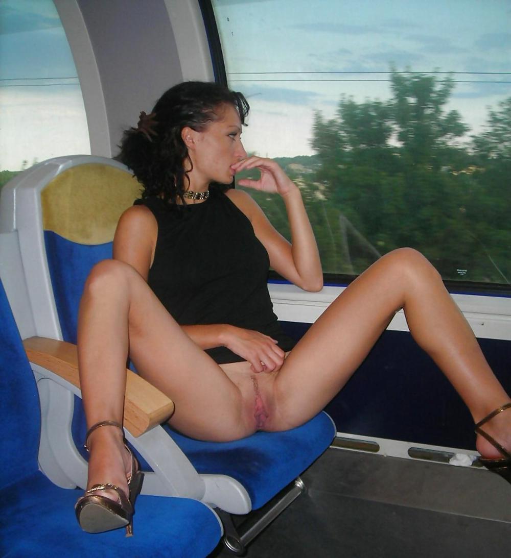 Sexe amateur exhibitionniste bois train gratuit