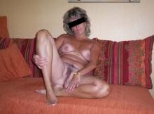 Femme mature exhib sa chatte poilue