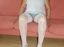 cougar sexy en bas et chaussres à talon