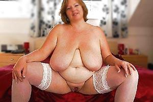 Femme avec de belles rondeurs