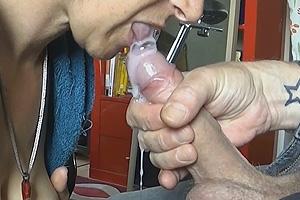 Vidéo suce éjaculation faciale