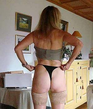 Femme cougar de Biot