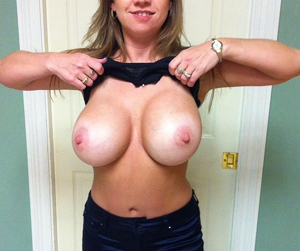 Gros seins ronds