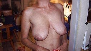 Femme mûre seule et amatrice de sexe à Dijon