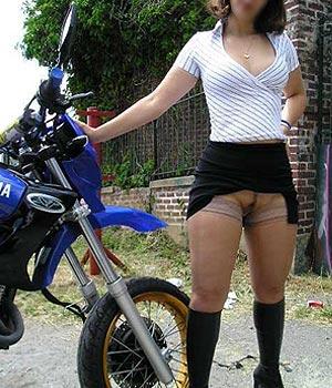Fanny : amatrice de moto à Paris