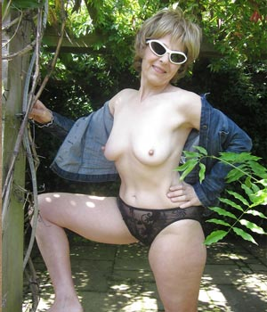 Photo de femme cougar a poil cherchant du sexe [PUNIQRANDLINE-(au-dating-names.txt) 48