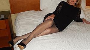 Femme Cougar cherche couple Paris