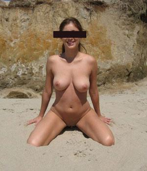 Femme adepte de naturisme (Hérault)