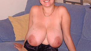 Plan cul jeune femme belle poitrine à Nice