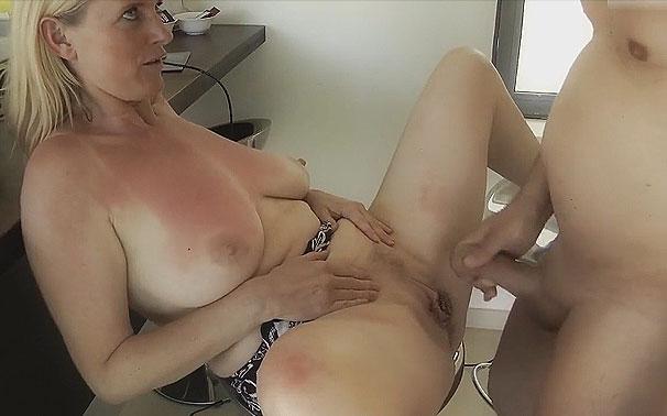 Masturbation et éjaculation - Plan cul Cougar