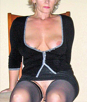 Femme Cougar sexy