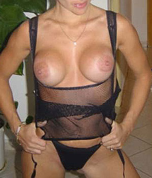 Femme libertine à gros seins