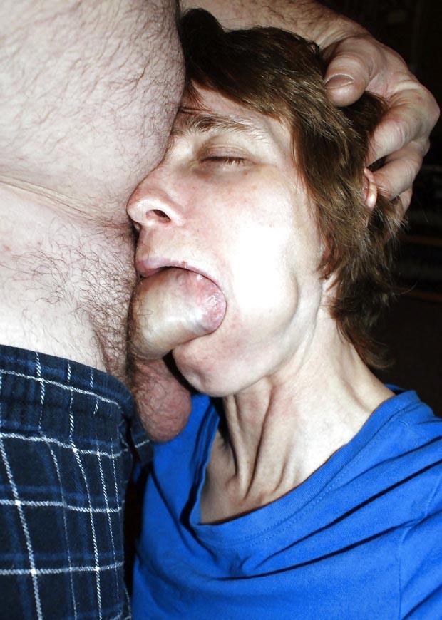 Bite dans la bouche - Bonne suceuse